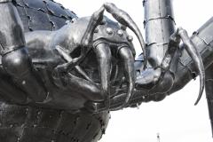 Skulptūra puolantis voras aukštis 3500mm plotis 5500mm 3