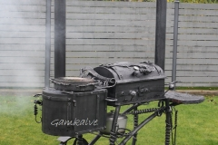 2-chimney barbeque with meat smoking facility and a cooktop PERFECTION
