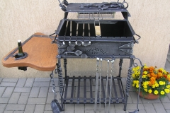 Barbeque with 2-level roasting, standing