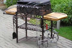 Barbeque with wheels MODERN