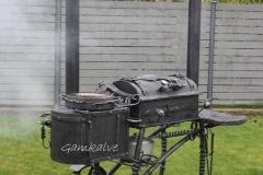 Кованый мангал - шашлычница с 2 трубами, с коптильней и плитой СОВЕРШЕНСТВО