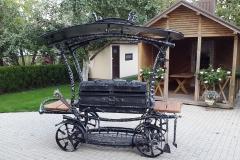 Мангал - шашлычница карета