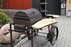 Мангал - шашлычница c коптильней на колесах