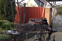 Кованый мангал - шашлычница с крышей и плитой