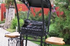 Кованый мангал - шашлычница с крышей - HOUSE