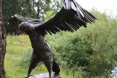 GAM-2 Скульптура приземляющийся орел