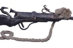 Кованое ружье висящая на стене