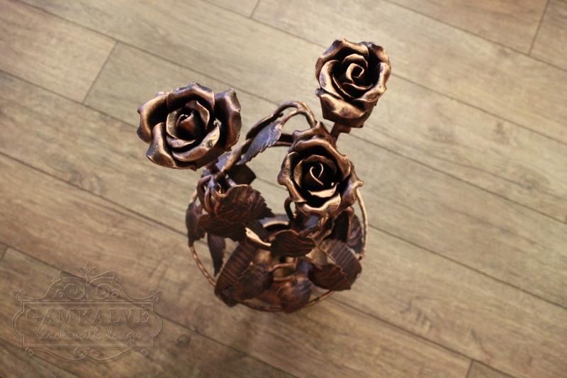 Rožės vazoje