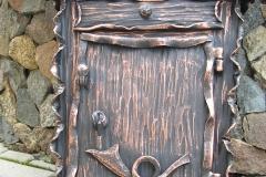 Kalviška pašto dėžutė raityti šonai NAMELIS